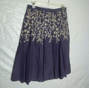 Ann Taylor Embroidered Skirt Women's Size 4